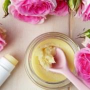 fiori e olio di jojoba