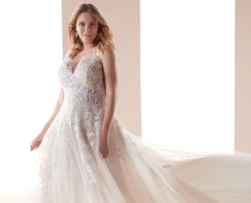 Abito da sposa curvy disponibile negli showroom di Le Mariage